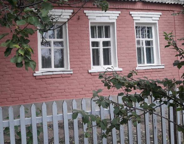 Продаёся дом в Центре Золочева, в хорошем состоянии с удобствами