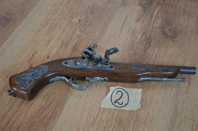 Pistolet, replika. Ze Szwecji.
