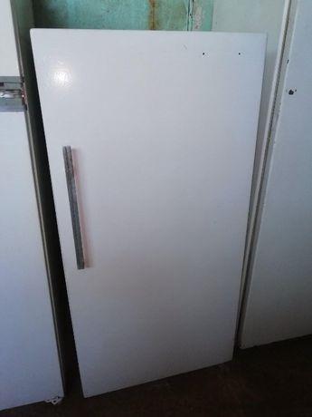 Продам холодильник ДНЕПР , однокамерный . Помогу с доставокй