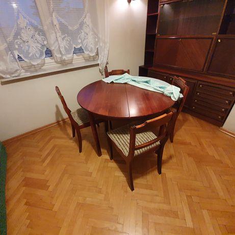 Stół drewniany rozkładany z 4 krzesłami