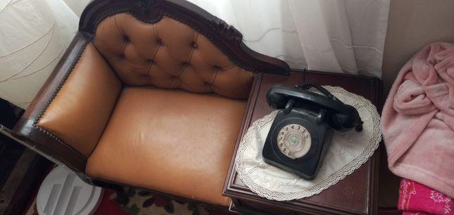 vendo mesa de telefone antiga que já não uso é só a mesa