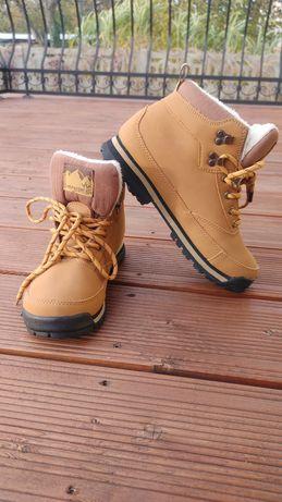 Buty trekkingowe ocieplane na zime. Nieuzywane.