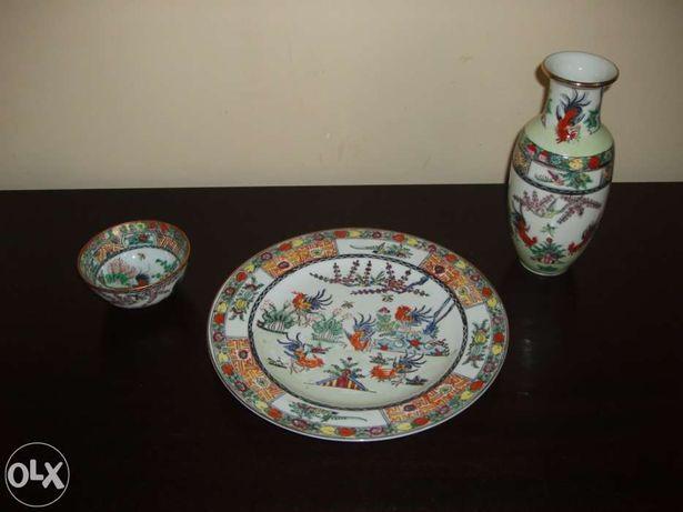 Conjunto de jarra, prato e taça (loiça Macau)