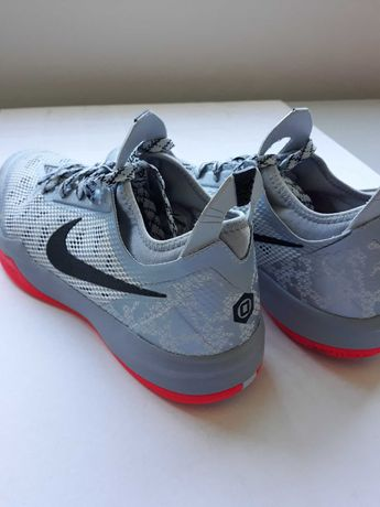 BASKETBALL - Nike Zoom Crusader profissionais para o n.º 46 - NOVAS