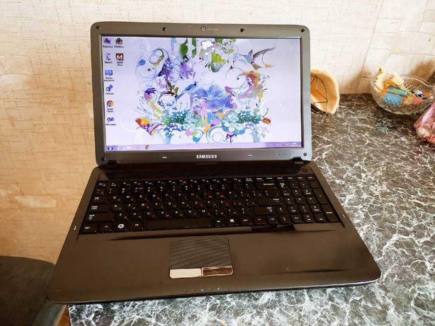 Игровой ноутбук Smsung Четырёх ядерный .Оперативы 4GB