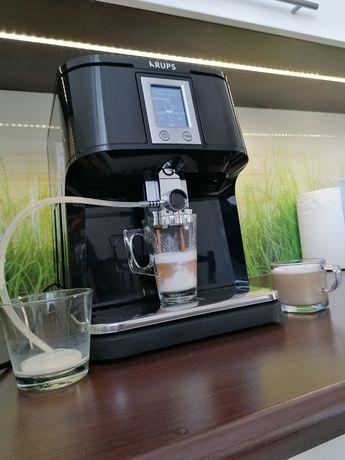 Ekspres do kawy Krups One Touch Cappuccino EA8808