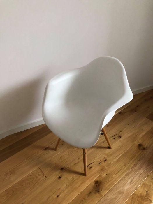 Wygodne białe krzesło Warszawa - image 1