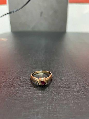 Złoty Pierścionek z Czerwonym Oczkiem 14K P585 1,76G !