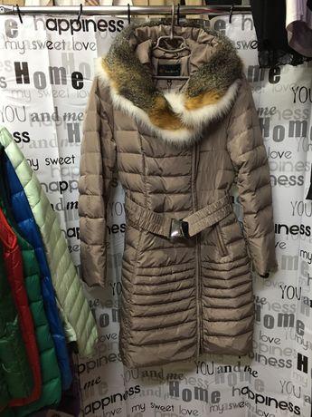 Пальто пуховик бренд, с натуральным мехом. 48-52 размер