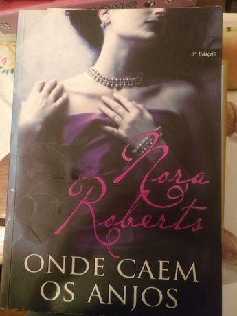 """Livro """"onde caem os anjos"""" de Nora Roberts"""