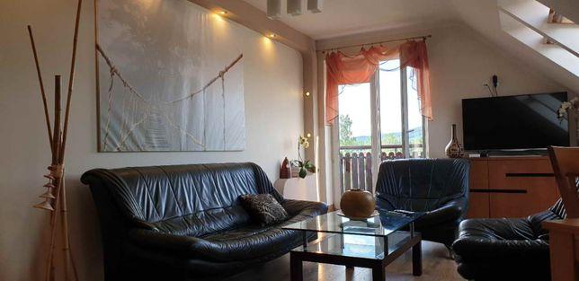 Atrakcyjne mieszkanie dwu poziomowe.