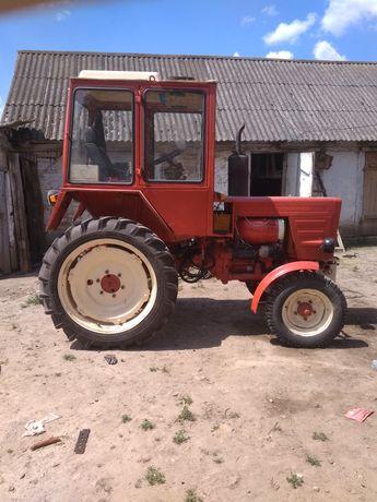 Продам або обміняю трактор т-25