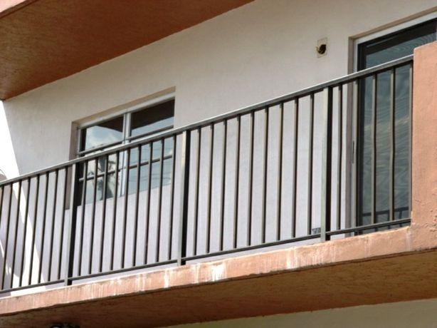 Металлические перила ограждения на балкон решетки на окна под заказ