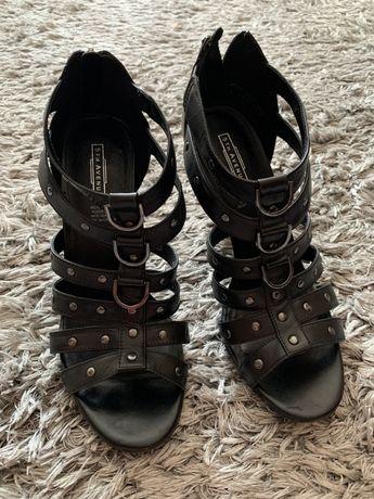 Okazja!! Czarne buty na obcasie 5th Avenue Fashion