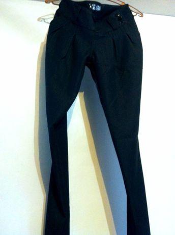 Чёрные женские брюки галифе.