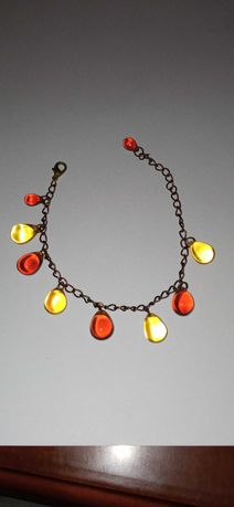 Sprzedam bransoletkę w kolorze starego złota ze szklanymi koralikami
