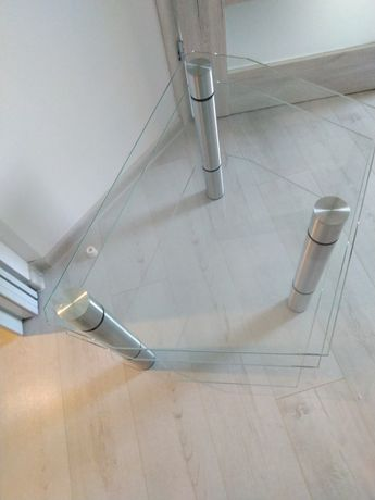 Szklana ława - szklana szafka pod TV
