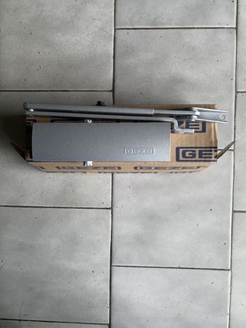 Fecho porta automático mecanismo mola retenção