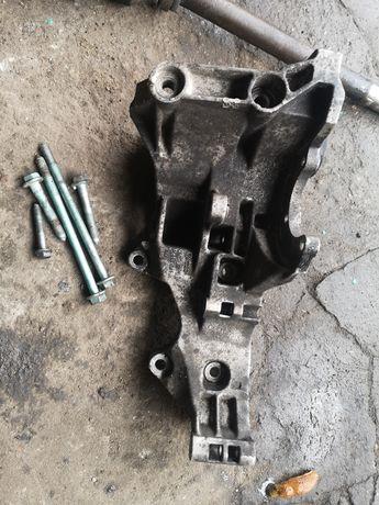 Łapa alternatora 1.9 TDI 130km Avf 03G903143B