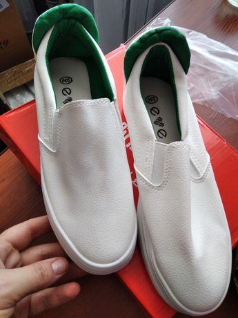 Сліпони білі жіноче взуття