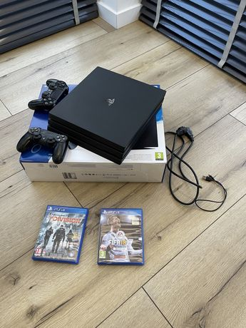 Sony PlayStation 4 Pro PS4 1 TB dwa pady pudełko gry fifa the division