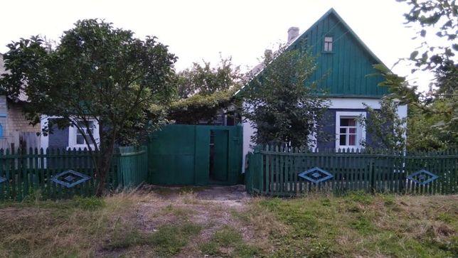 Дом с земельным участком в с. Галициновка Марьинского р-на Донецкой о.