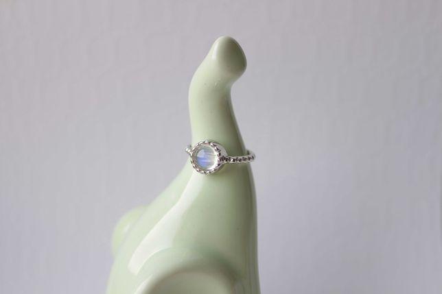 Серебро серебряное кольцо с адуляром натуральный лунный камень