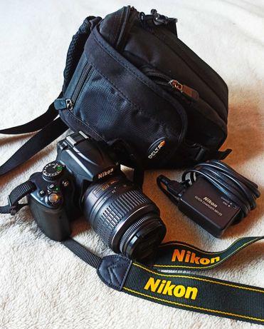 Aparat NIKON D5000 + Obiektyw NIKON 18-55MM + Torba