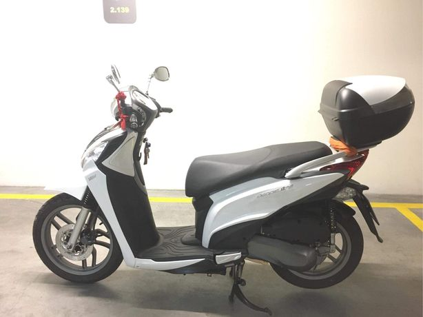 Kymco People One 125i Scooter