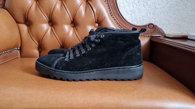 Продам ботинки L.Carvari