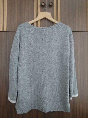 Теплый фирменный свитер. 48 - 52 р
