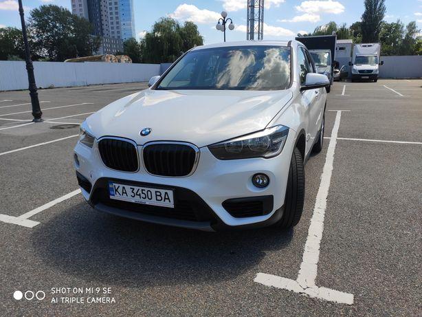 BMW X1 кроссовер