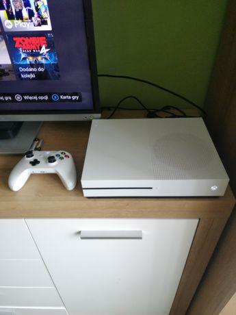 Xbox one s, 1 Tb, 1 pad, 3 gry, karton, okablowanie, stan idealny