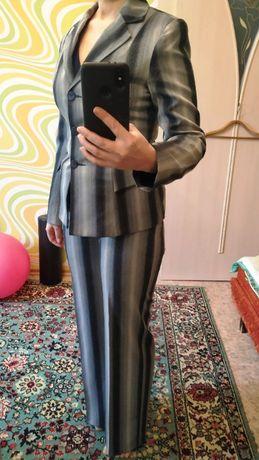 Отдам костюм-двойка женский серый 38 евро-размер