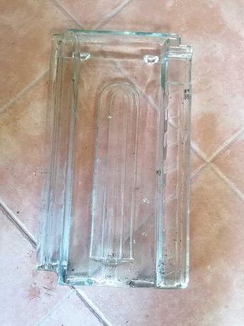 40 Telhas de vidro usadas