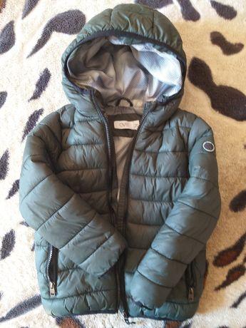 Весняна куртка на хлопчика 4-5 років