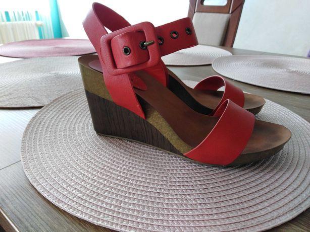 Sandały damskie Centro r. 39 na koturnie, czerwone, lato