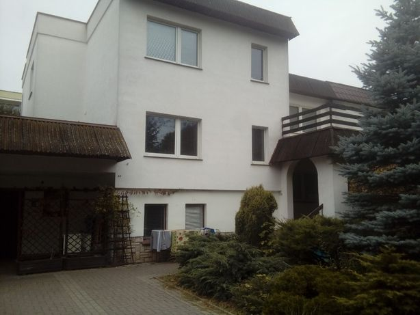Dom dla pracowników 14 pokoi 380m2 max dla 45 osób Poznań Piątkowo