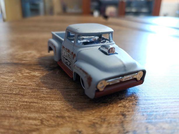 Resorak autko Ford DTX35 Hotweels