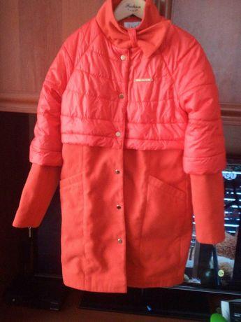 Продам куртку- пальто на девочку