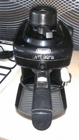 Ekspres do kawy ciśnieniowy Delonghi