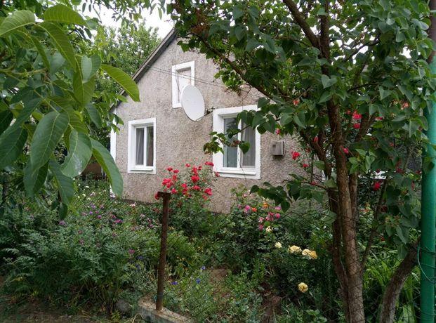 Продам СВОЙ уютный дом с виноградником в с. Новоивановка ,АР Крым