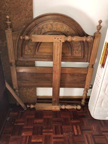 Cama de madeira + colchão
