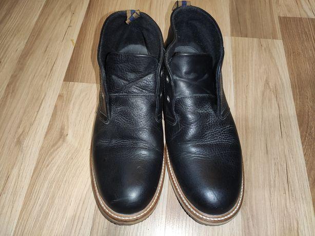 Качественные ботинки 41,5 . Португалия
