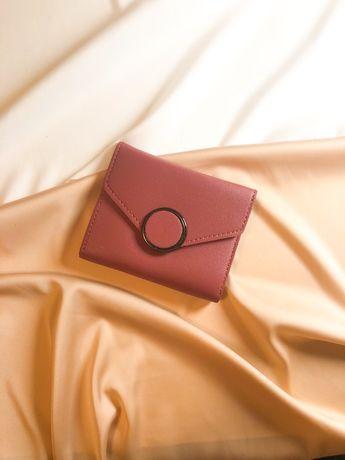 Продам женский кошелёк.