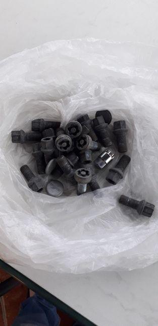 Śruby do felg aluminiowych z zabezpieczeniami14×,1,5 audi,vw,seat i