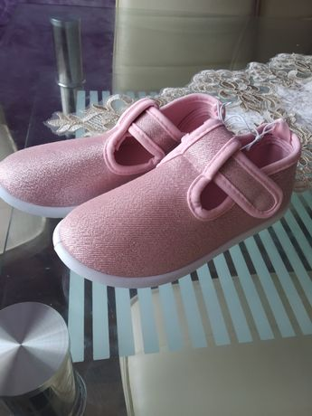 Взуття для девочки