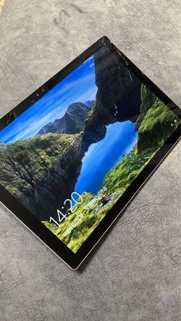 Microsoft Surface Pro 4 1724 i5