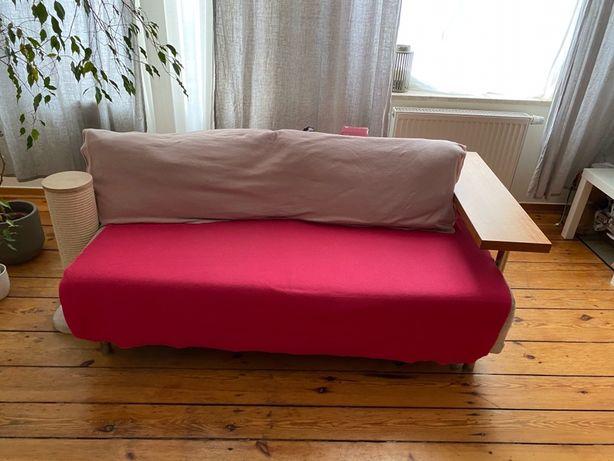 Sofa z drewnianym oparciem, polecam