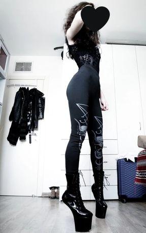 Gotyckie legginsy z kotami gothic Freaks goth runy księżyc moon runes